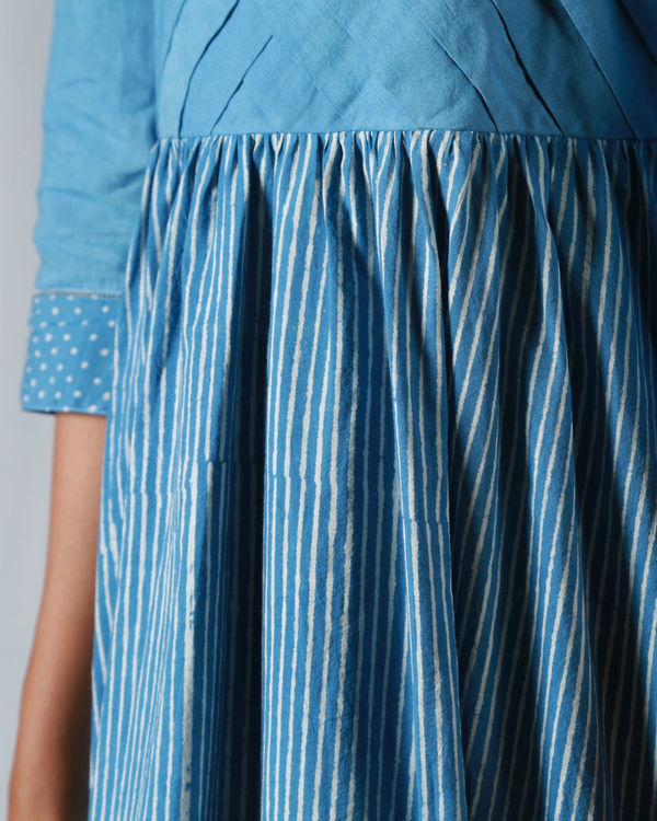 Blue pleated thin striped maxi 3