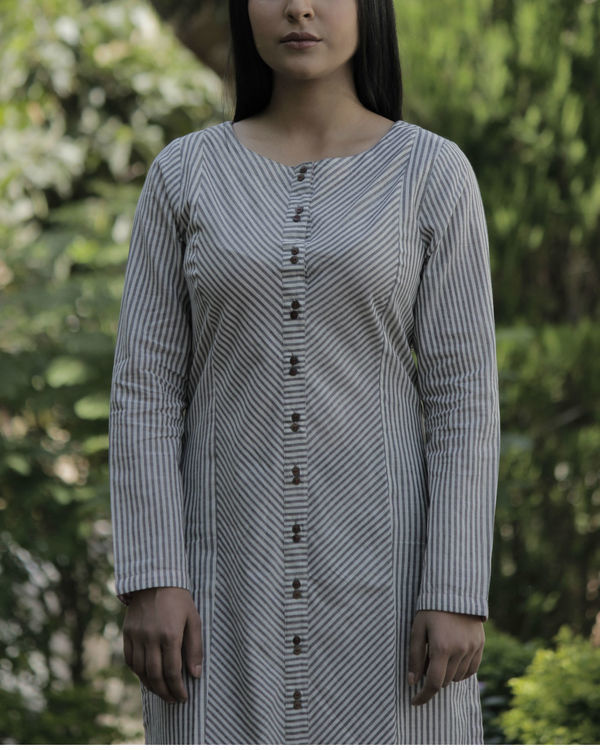 Grey front slit kurta 2
