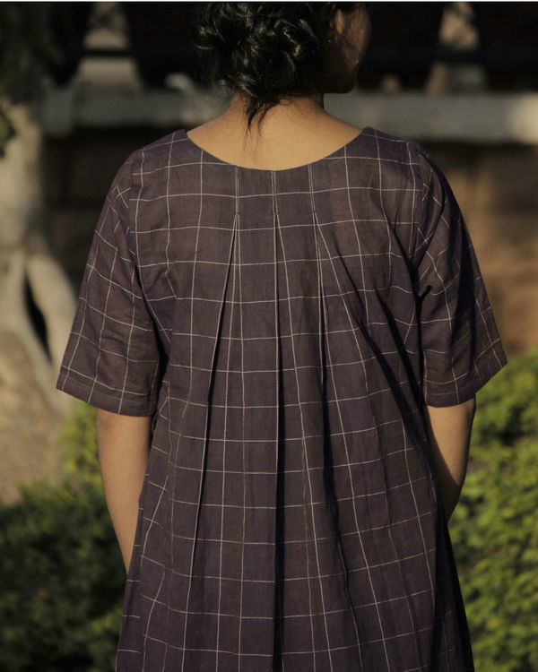 Pleated brown checkered dress 1