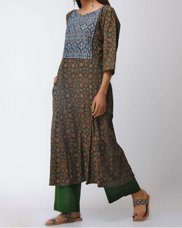 Green gored kurta with blue patched yoke 1