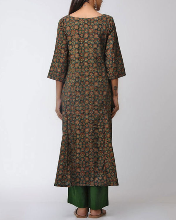 Green gored kurta with blue patched yoke 2