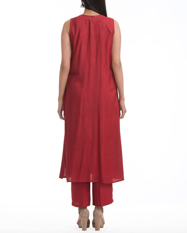 Maroon sleeveless flared tunic 1
