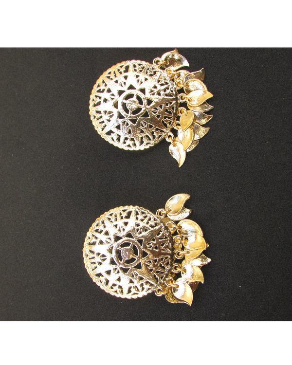 Golden Filgeree Earrings with Pepal Patti  1