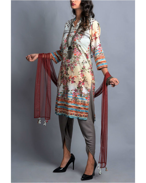 Moroccan floral kurta with dhoti and stole set 2