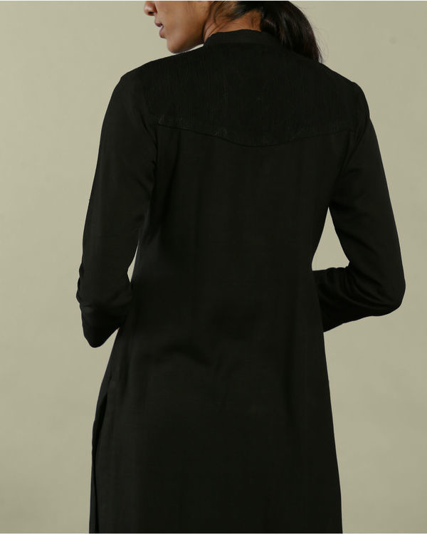 Black tunic with collared neckline 1