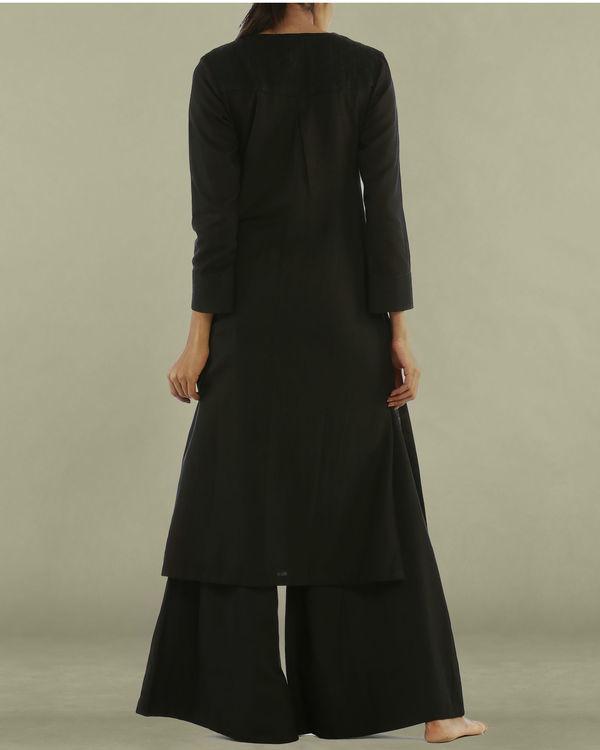 Black tunic with round neckline 1