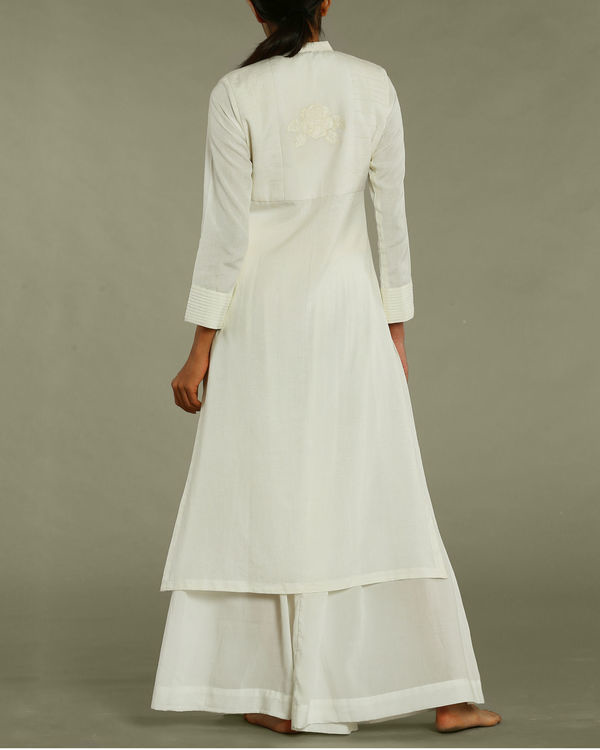 Off-white tunic with collared neckline 2