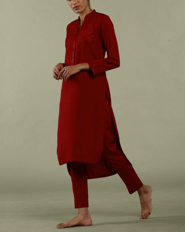 Red tunic with collared neckline 1