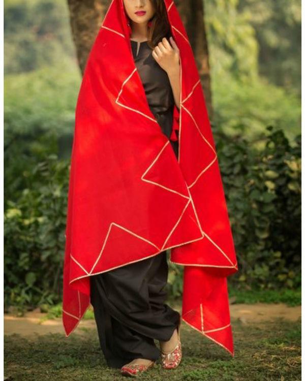 Black dhoti kurti with gotta patti red dupatta 2