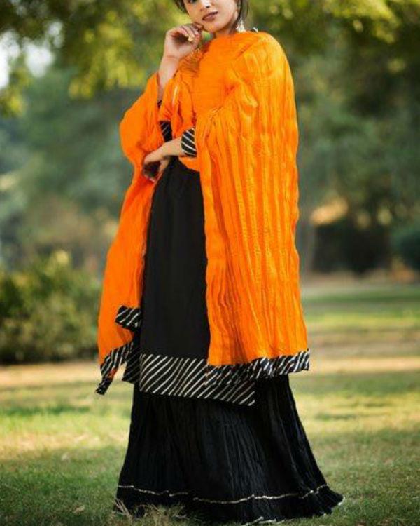 Black gotta patti straight kurta with crush skirt & dupatta 2