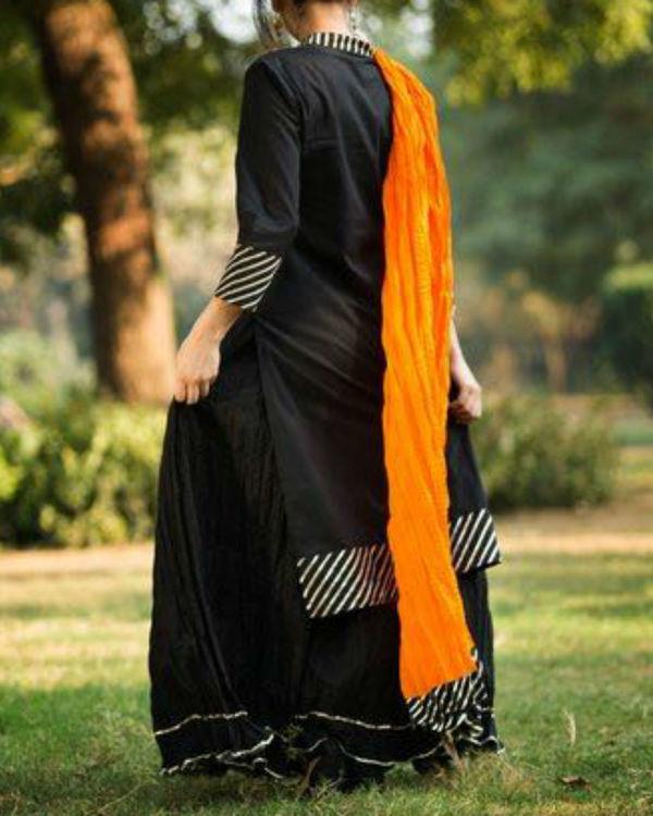 Black gotta patti straight kurta with crush skirt & dupatta 1