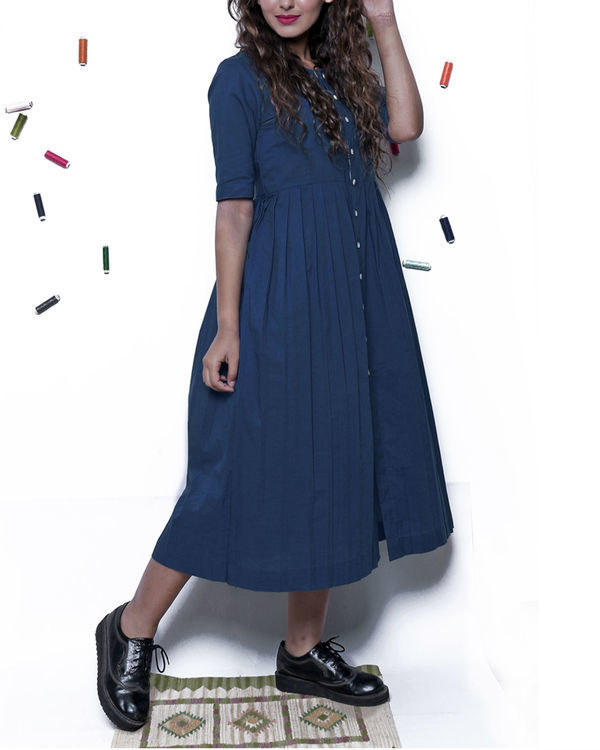 Plain indigo pleated dress 3