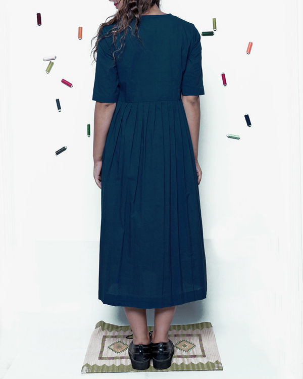 Plain indigo pleated dress 1