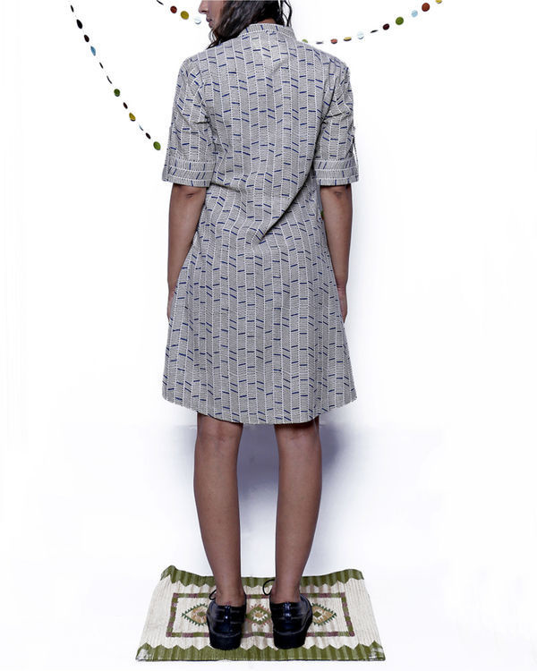Geometric gathered midi dress 1