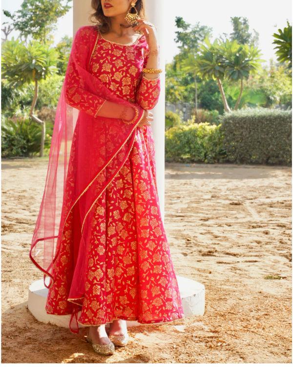 Pink rose gold anarkali set with net dupatta 1