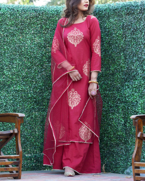 Maroon gold print sharara set with net dupatta 3