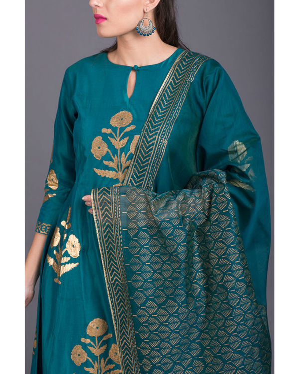 Aquamarine daisy printed set with firozi dupatta 2