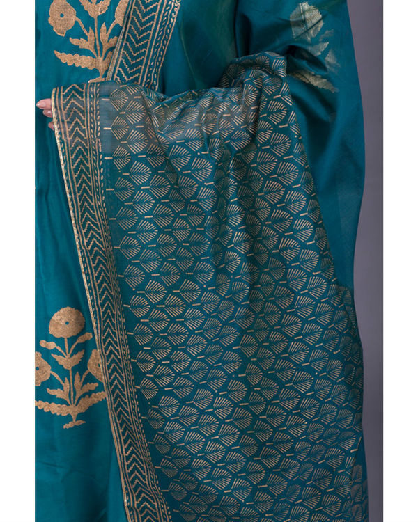 Aquamarine daisy printed set with firozi dupatta 1