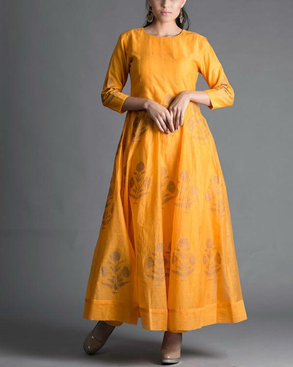 Marigold daisy kalidar kurta set with rani pink dupatta 3