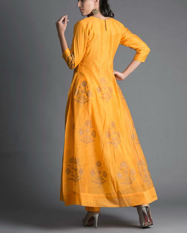 Marigold daisy kalidar kurta set with rani pink dupatta 2