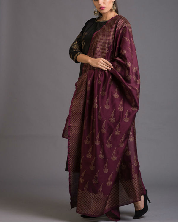 Smoky dandelion printed set with wine dupatta 4
