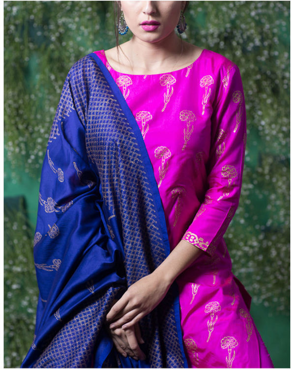 Pink sapphire lily printed set with ink blue dupatta 2
