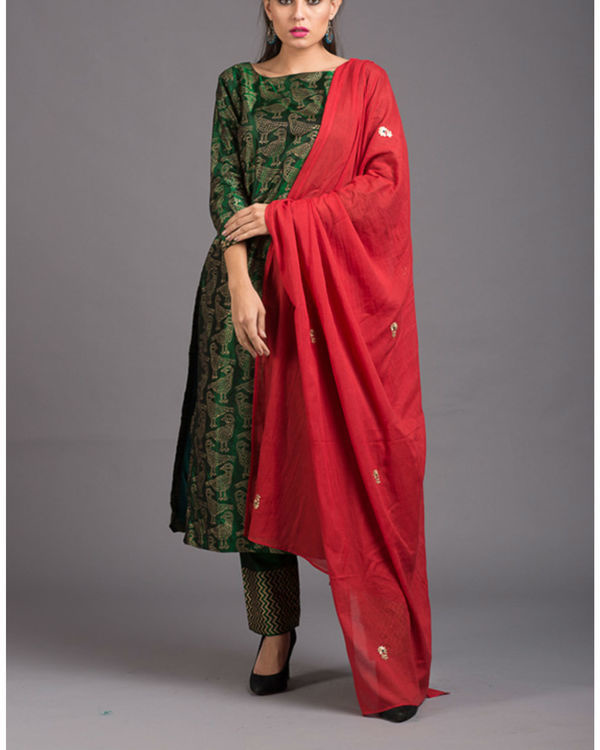 Peridot kabutar printed set with red dupatta 3