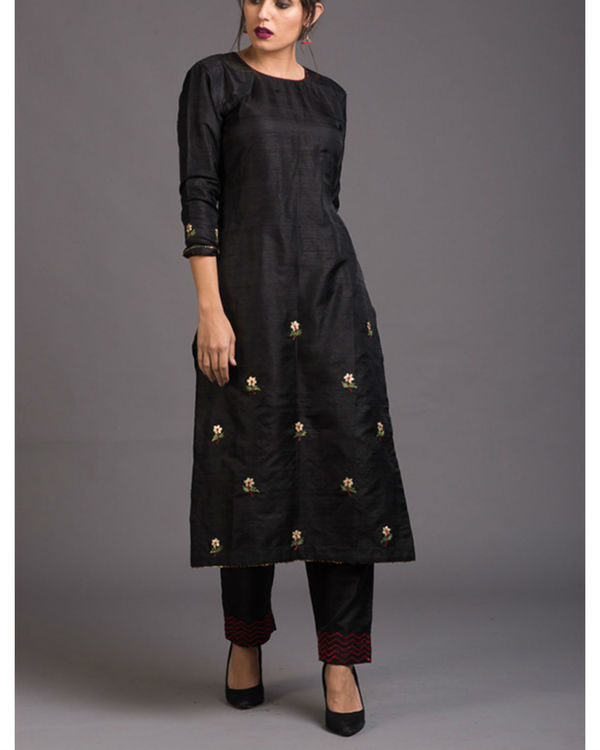 Charcoal floral embroidered set with red embroidered dupatta 3