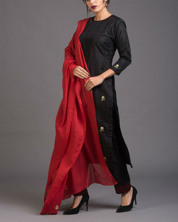 Charcoal floral embroidered set with red embroidered dupatta 1