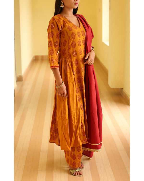 Haldi chandan side gathered bagh print kurta 1
