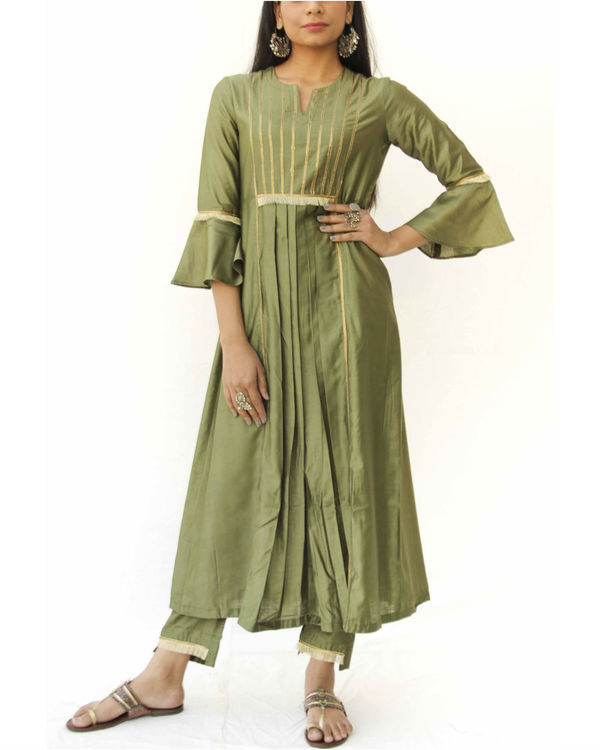 Olive green box kurta and pant set 1