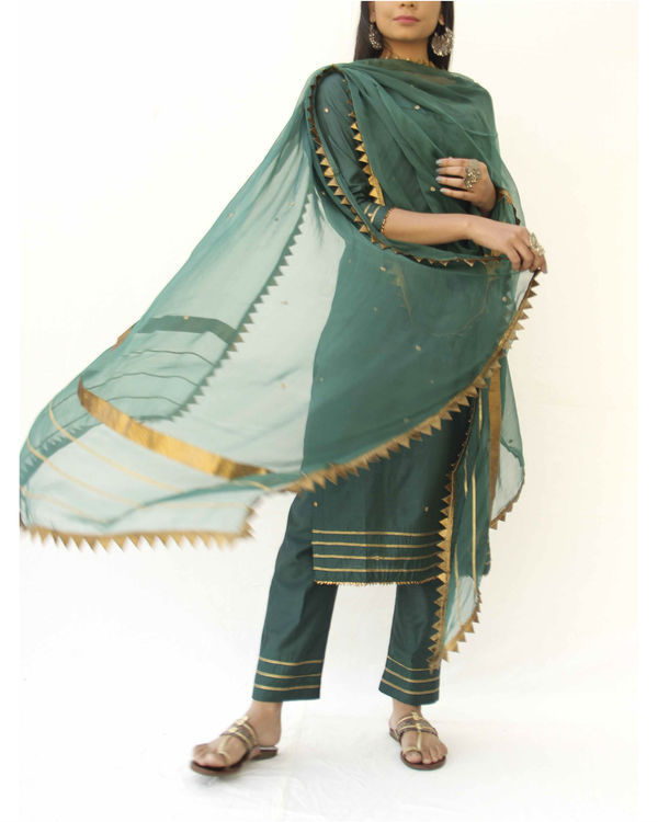 Emerald green straight kurta, pant and dupatta set 2