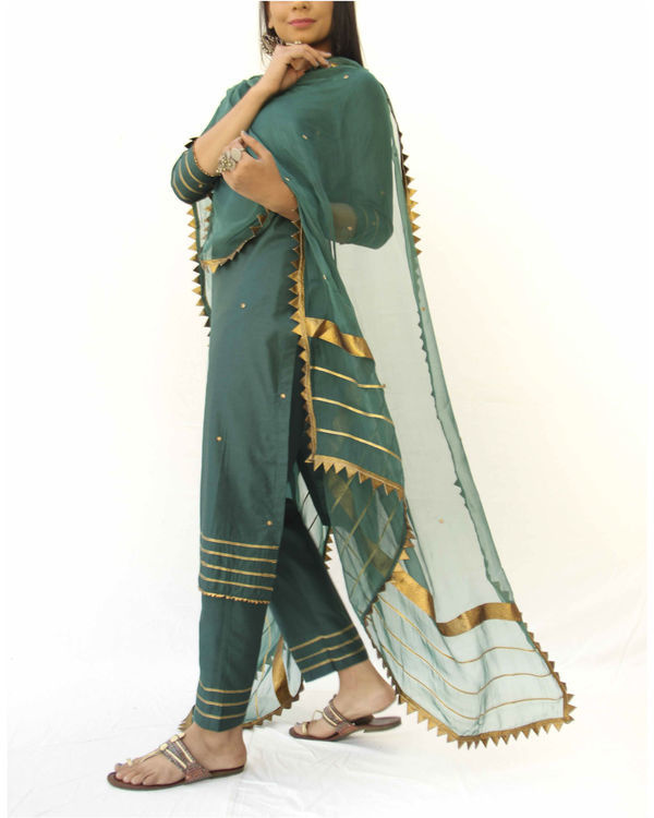 Emerald green straight kurta, pant and dupatta set 1