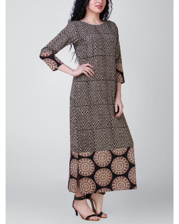 Black-beige block-printed patch dress 3
