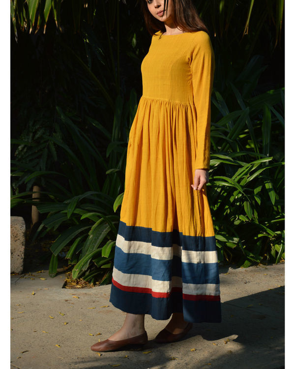 Mustard multicolor border gathered maxi dress 1