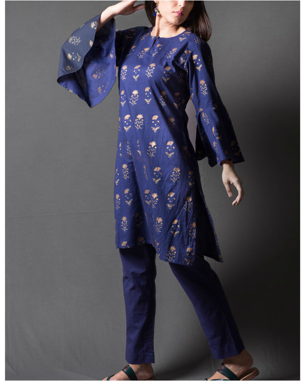 Navy blue daisy block printed short kurta set 1