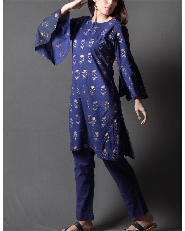 Navy blue daisy block printed short kurta set 1