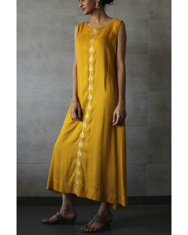 Mustard sleeveless a-line kurta 1