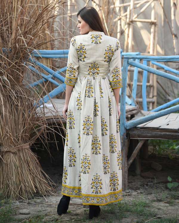 Mustard and off white block printed cape 2