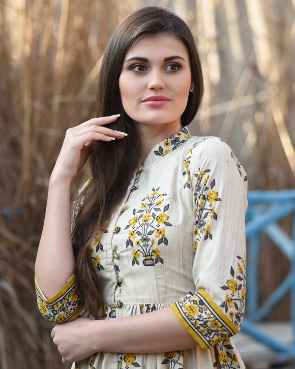 Mustard and off white block printed cape 1
