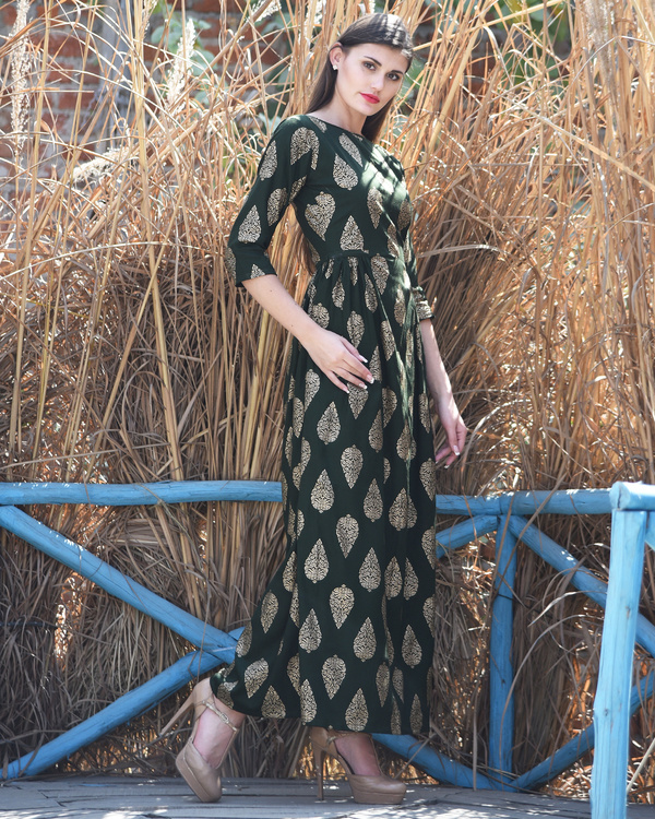 Green side pleated dress 1