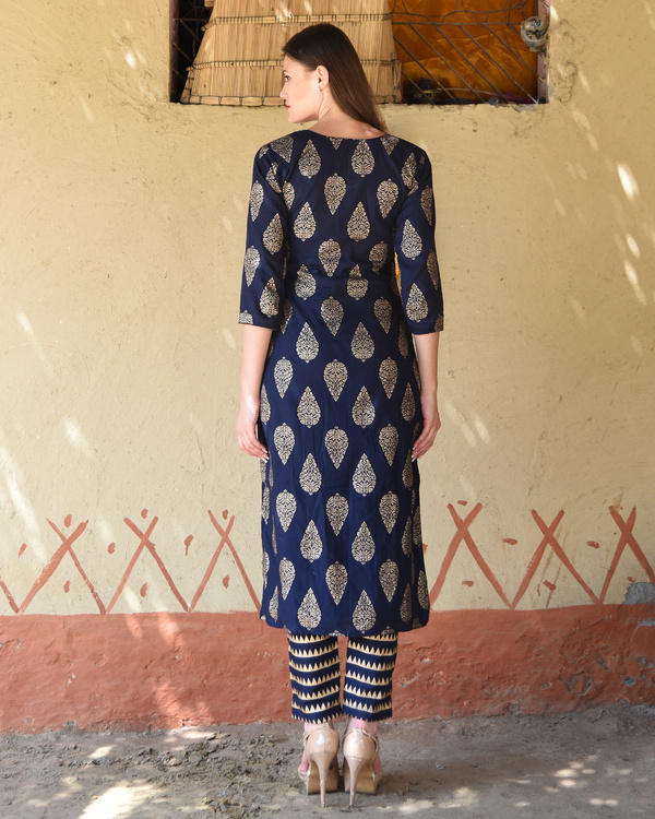 Navy blue block printed kurta with striped pants 2