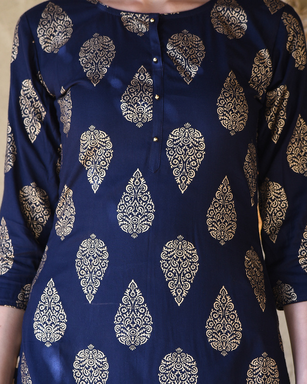 Navy blue block printed kurta with striped pants 1