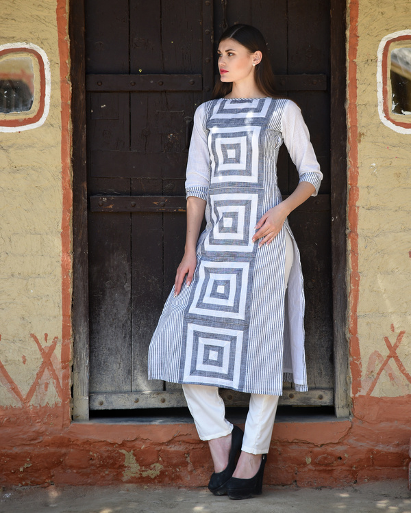 White and grey printed kurta with pants 3