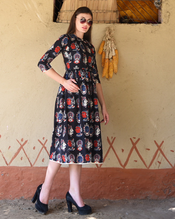 Black gathered kalamkari midi dress 3