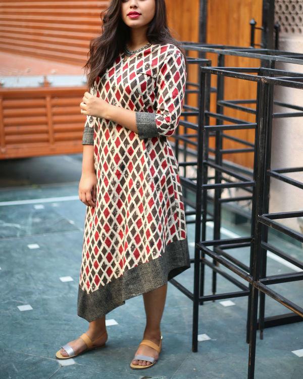 Twisty hemline dress 1