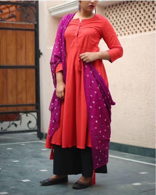 Red kurta set with purple bandhej dupatta 4