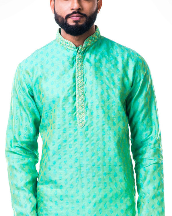 Pastel green thread embroidery kurta set 3