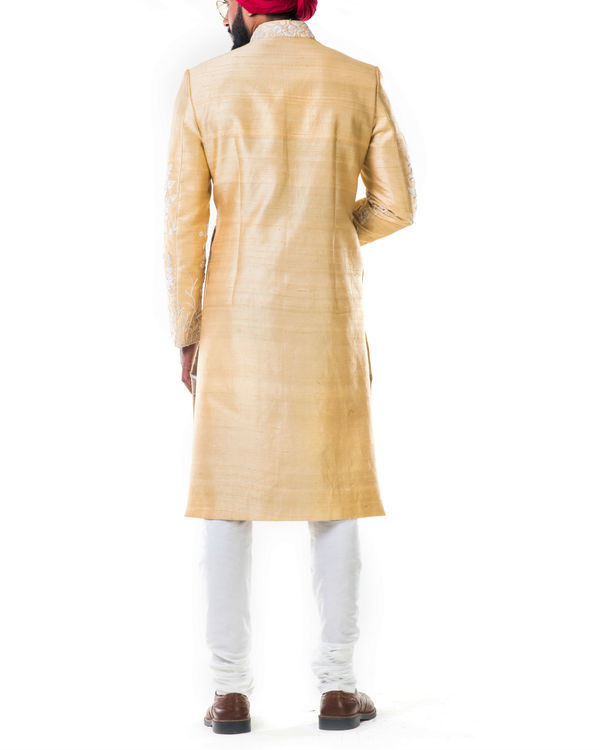 Off-white thread work embroidery sherwani set 1