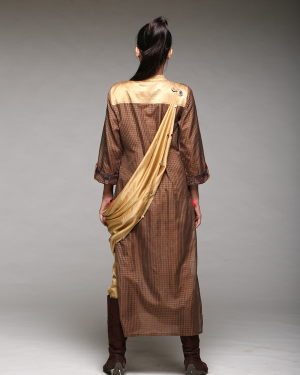 A line kurta with scarf 1